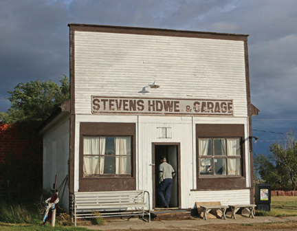 150915Comm-boyd's shop