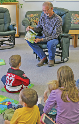 Foremost mayor Ken Kultgen is pictured reading to the children on Nation Child Day, Nov. 20.